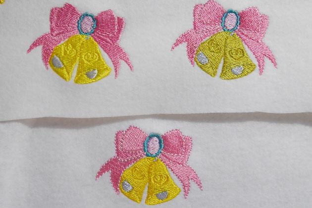 鐘(ベル)の刺繍の試し縫い画像
