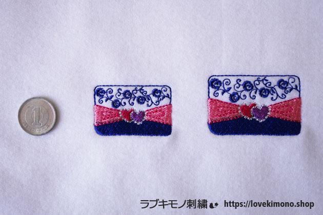 クラッチバックの刺繍、大小が並ぶ