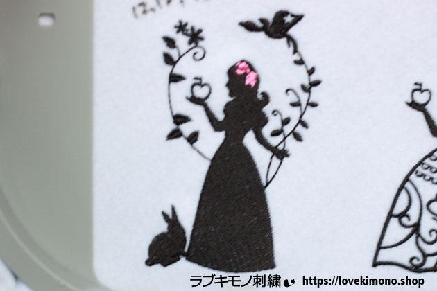 うさぎと鳥と白雪姫の刺繍