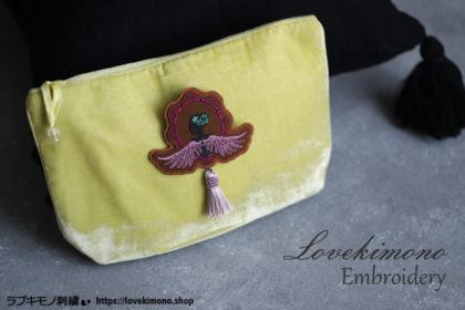 フェルトを3枚重ねる刺繍ブローチの作り方